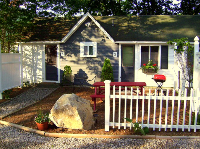 Cozy Studio Style Cottage near Lake Winnipesaukee in Wolfeboro, New  Hampshire