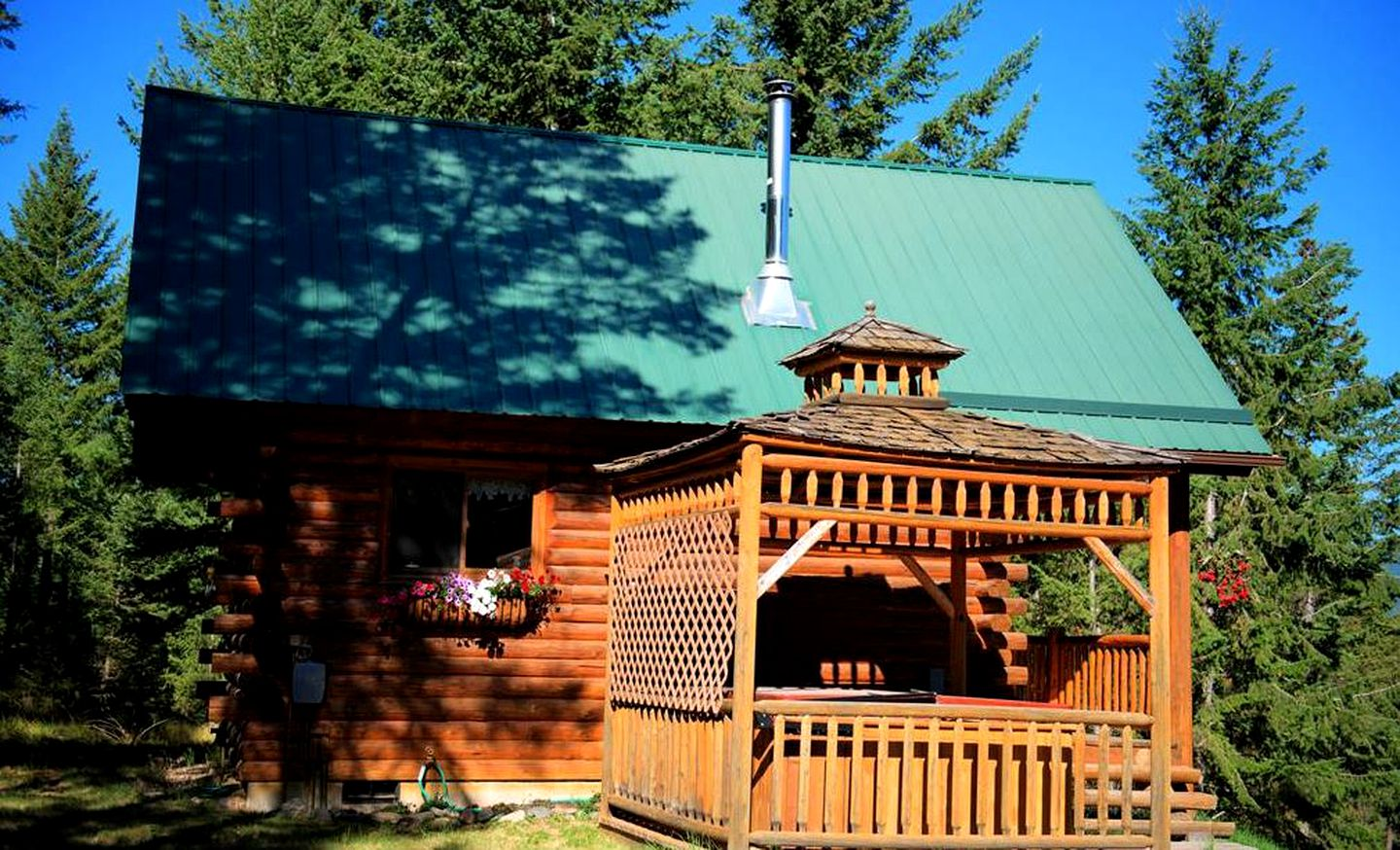 Log Cabins (Rexford, Montana, United States)