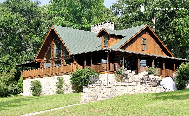 Lake cabin rental for groups near dallas for Lake cabin rentals near dallas