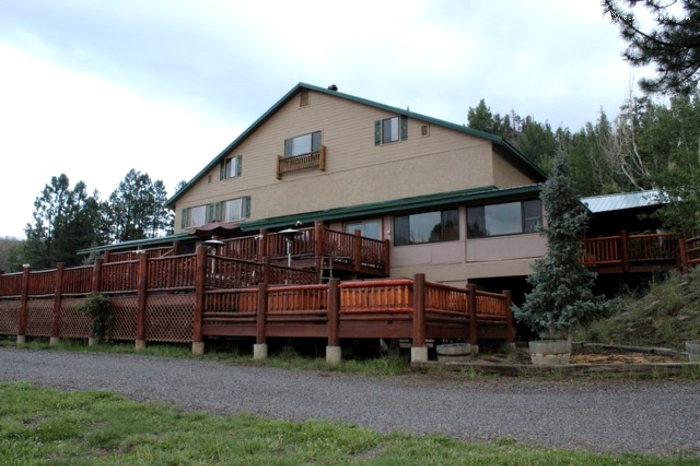 Lodging in the white mountains arizona for Cabins near greer az