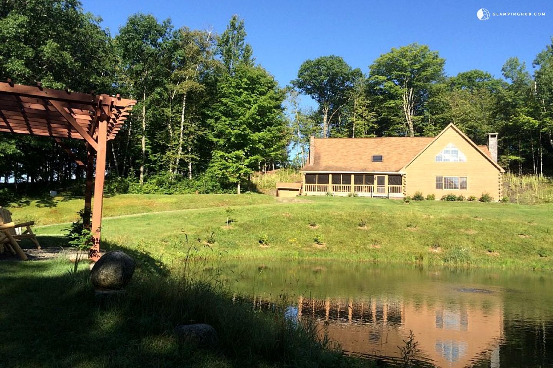 Spacious Outdoor Log Cabin Rental in Bath, New Hampshire
