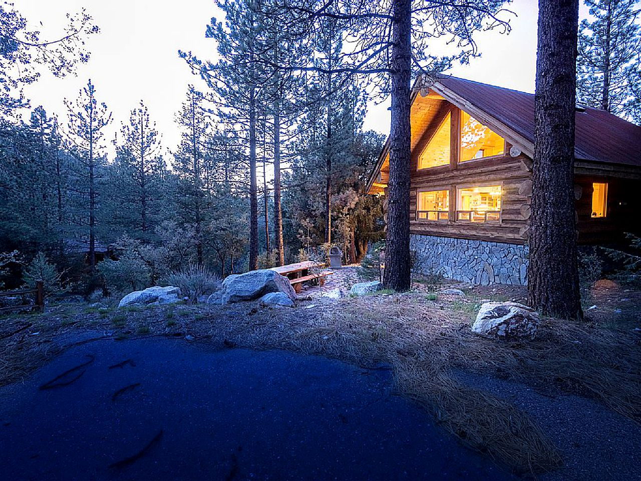 Log Cabins (Pine Mountain Club, California, United States)