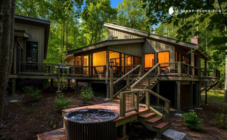 Rental With A Hot Tub And Pool Near Fayetteville West