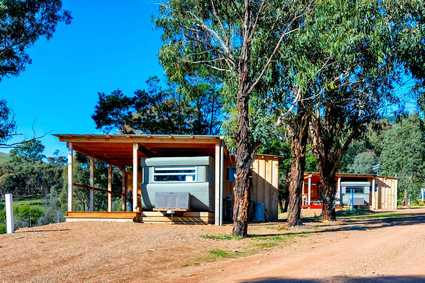 This caravan rental, Melbourne, offers glampers the perfect weekend away, Victoria. The rental is on a gorgeous property and has spacious decks.