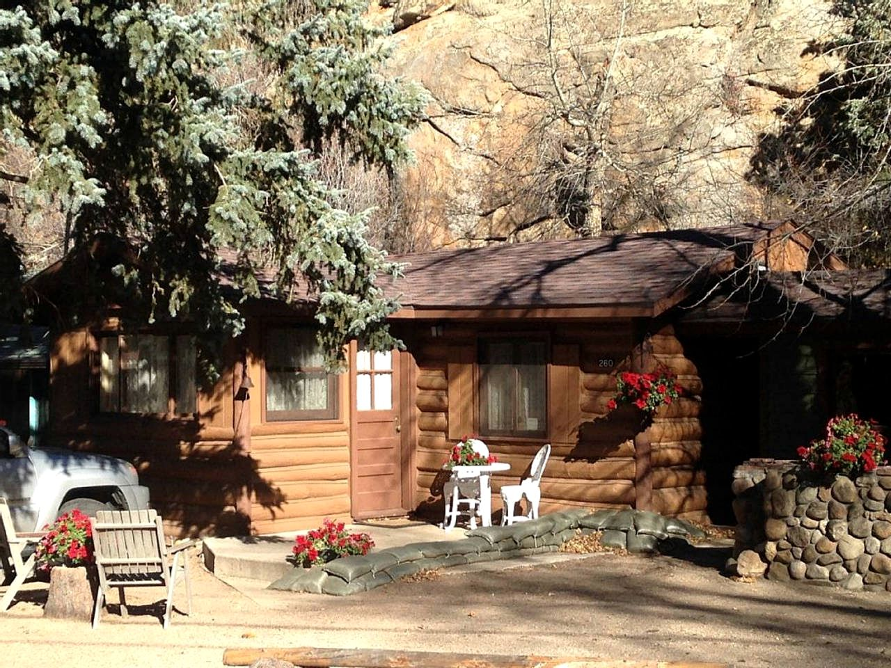 Cabins (Estes Park, Colorado, United States)