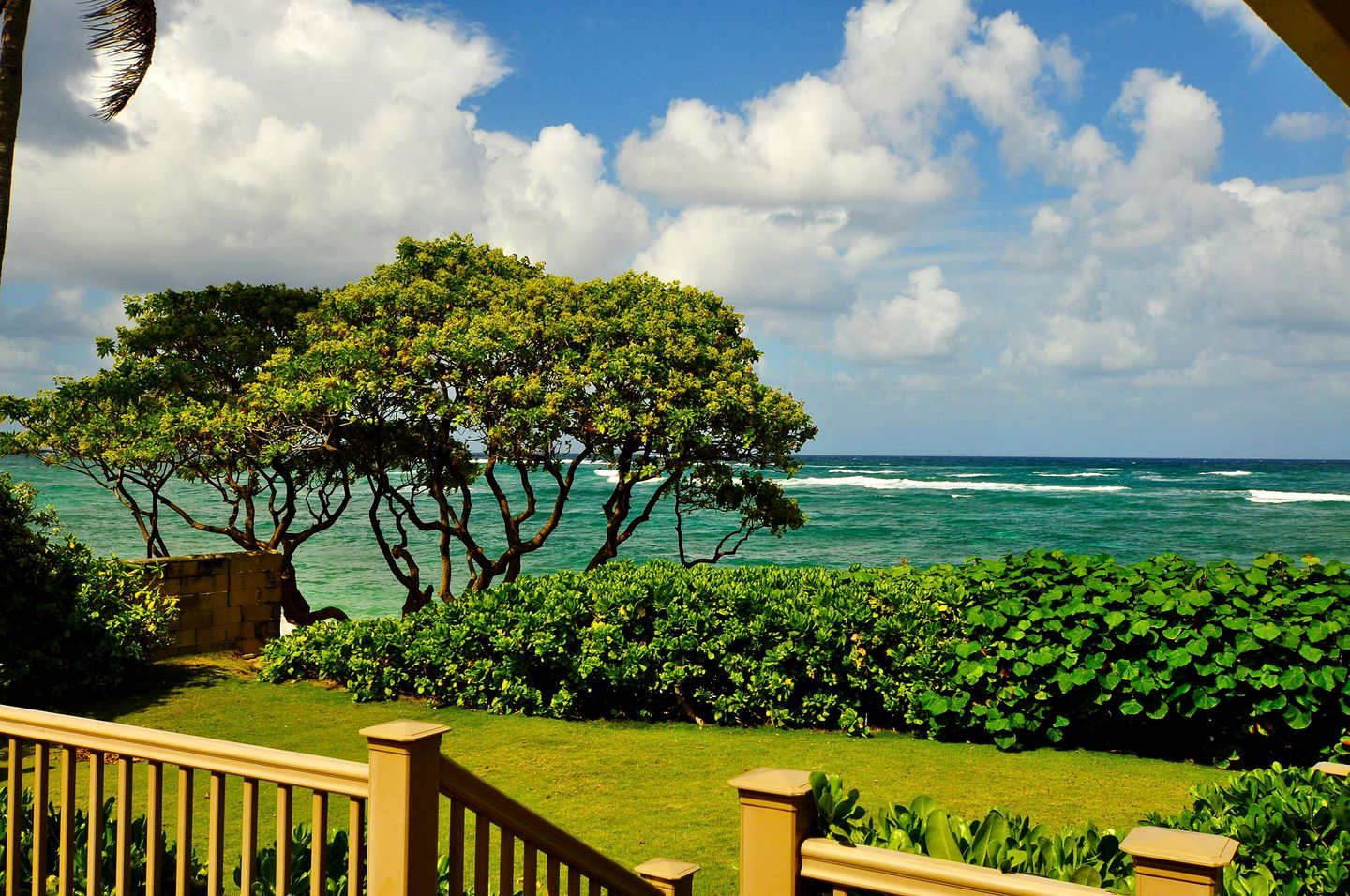 Beach Houses (Laie, Hawaii, United States)