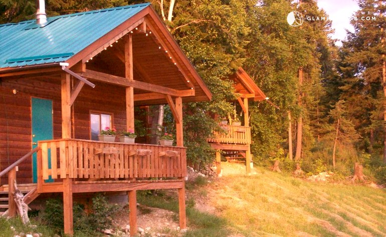 cabin rental near glacier national park of canada, british columbia