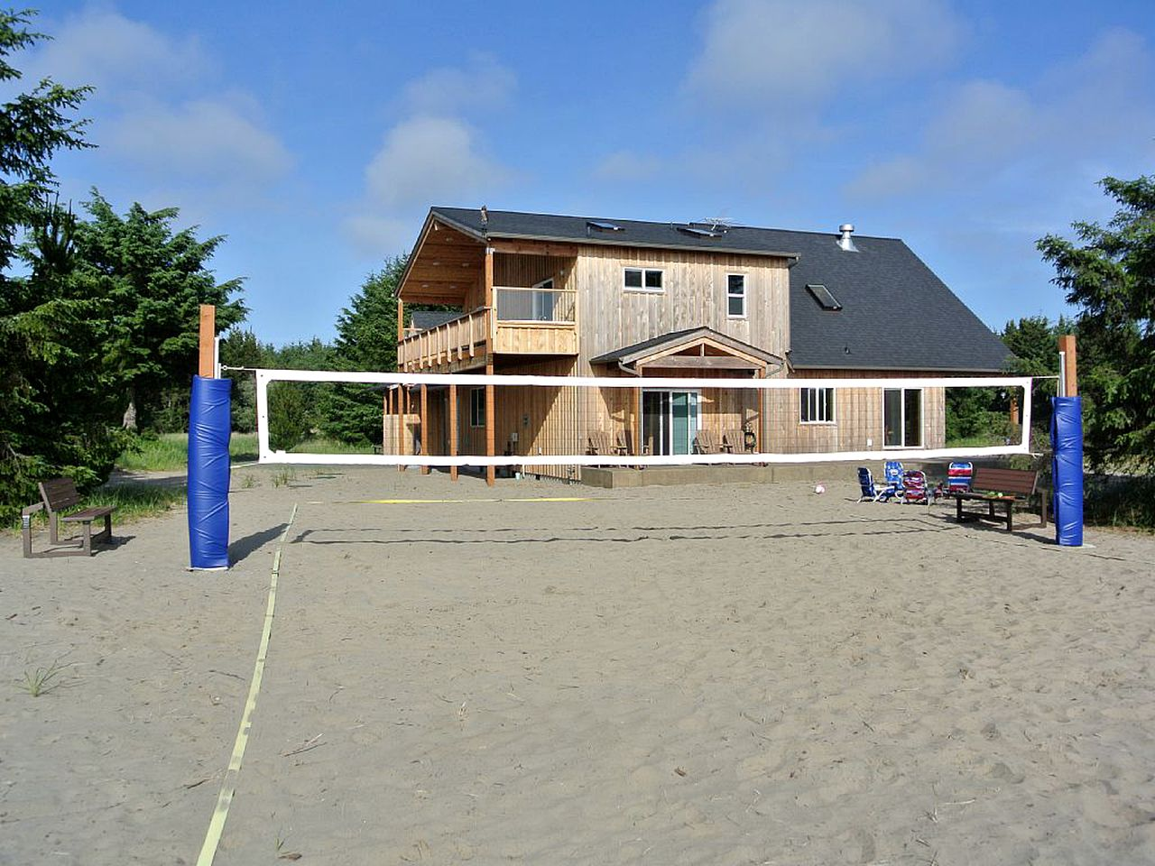 Cabins (Long Beach, Washington, United States)