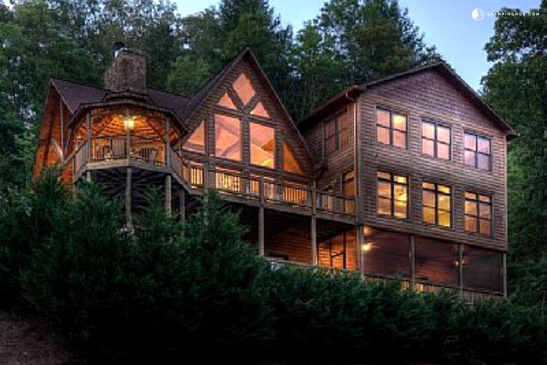 Riverfront Cabin Near Blue Ridge Georgia