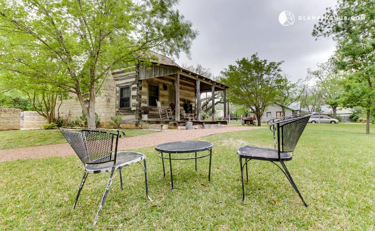 150 Year Old Fredericksburg Log Cabin Rental In Texas Hill Country