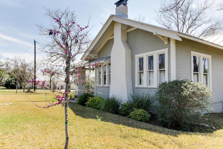 Private cabin in fredericksburg texas for Cabins near fredericksburg tx