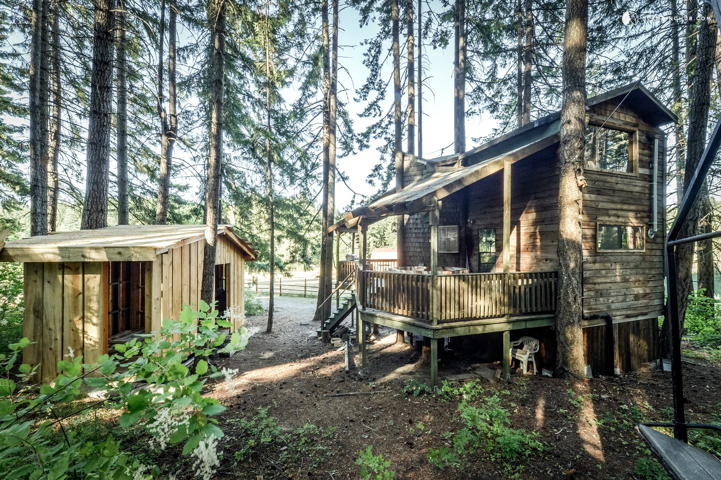 Luxury treehouse in washington state glamping in washington for Building a house in washington state