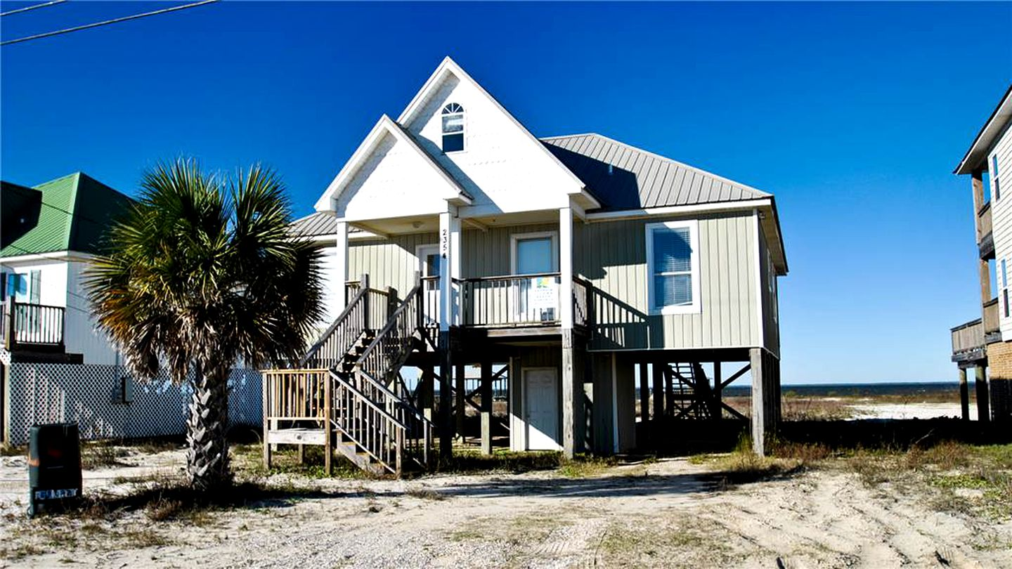 Beach Houses (Dauphin Island, Alabama, United States)