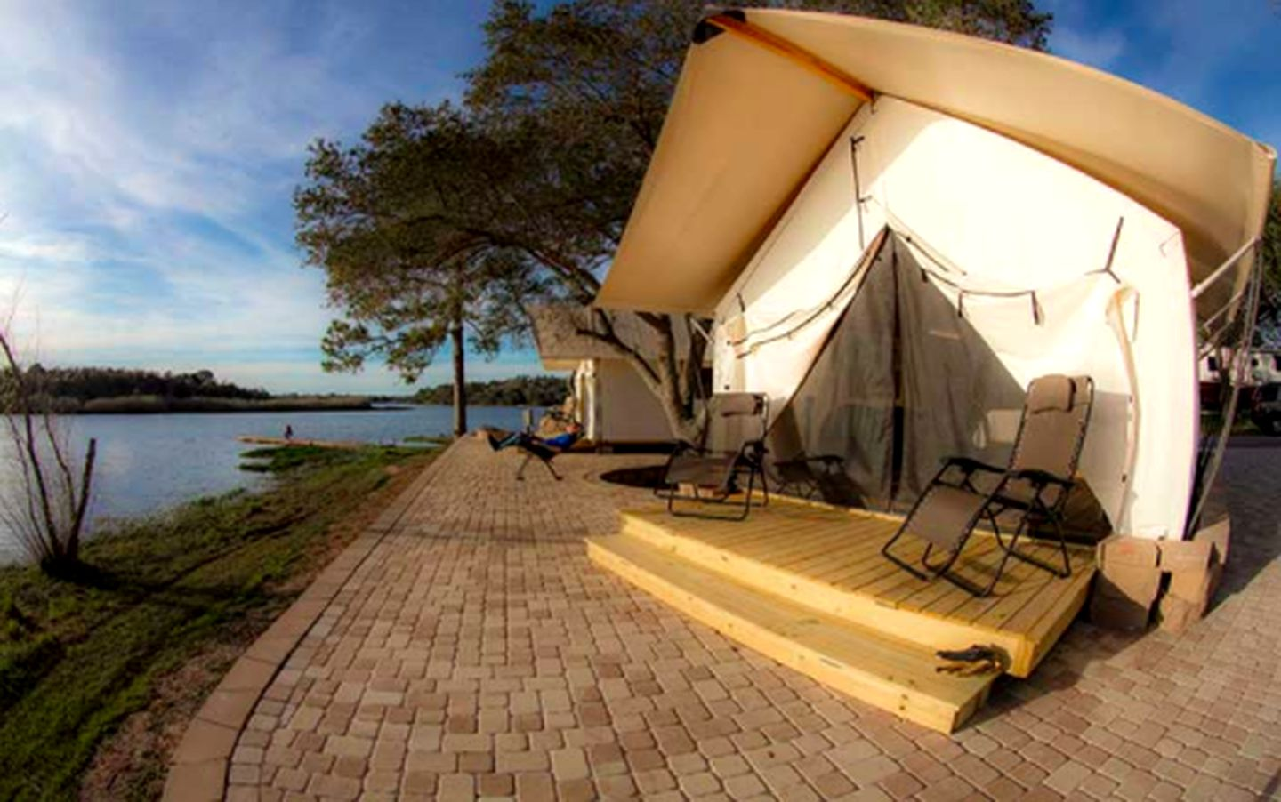 Safari Tents (Defuniak Springs, Florida, United States)