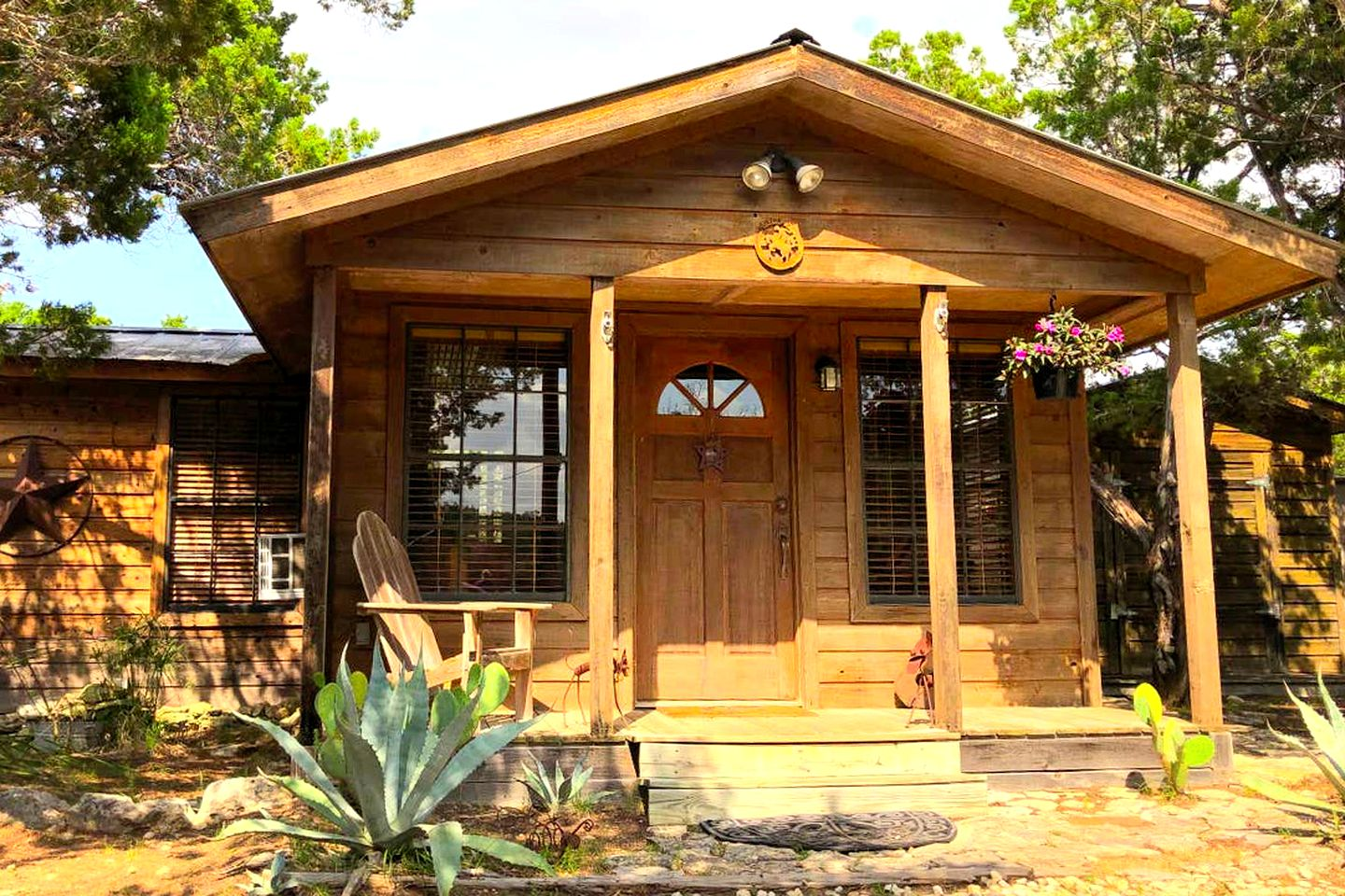 Rustic Texas Hill Country cabin for the best Texas vacation!