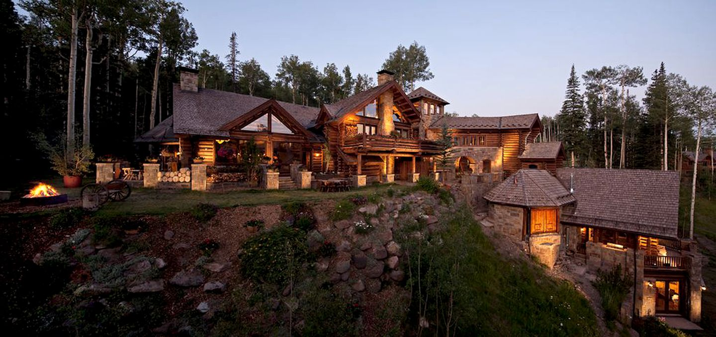 Log Cabins (Mountain Village, Colorado, United States)