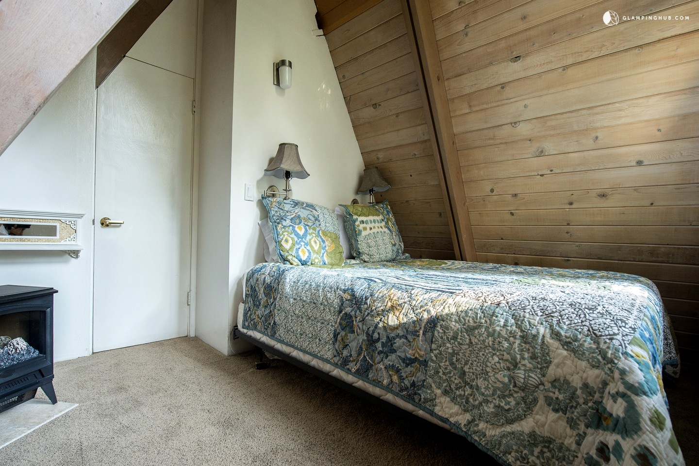 Dog friendly cabin rental in los angeles for Cabin los angeles