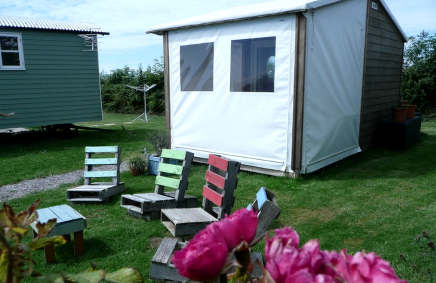 Tented Cabins (Penmaen, Wales, United Kingdom)