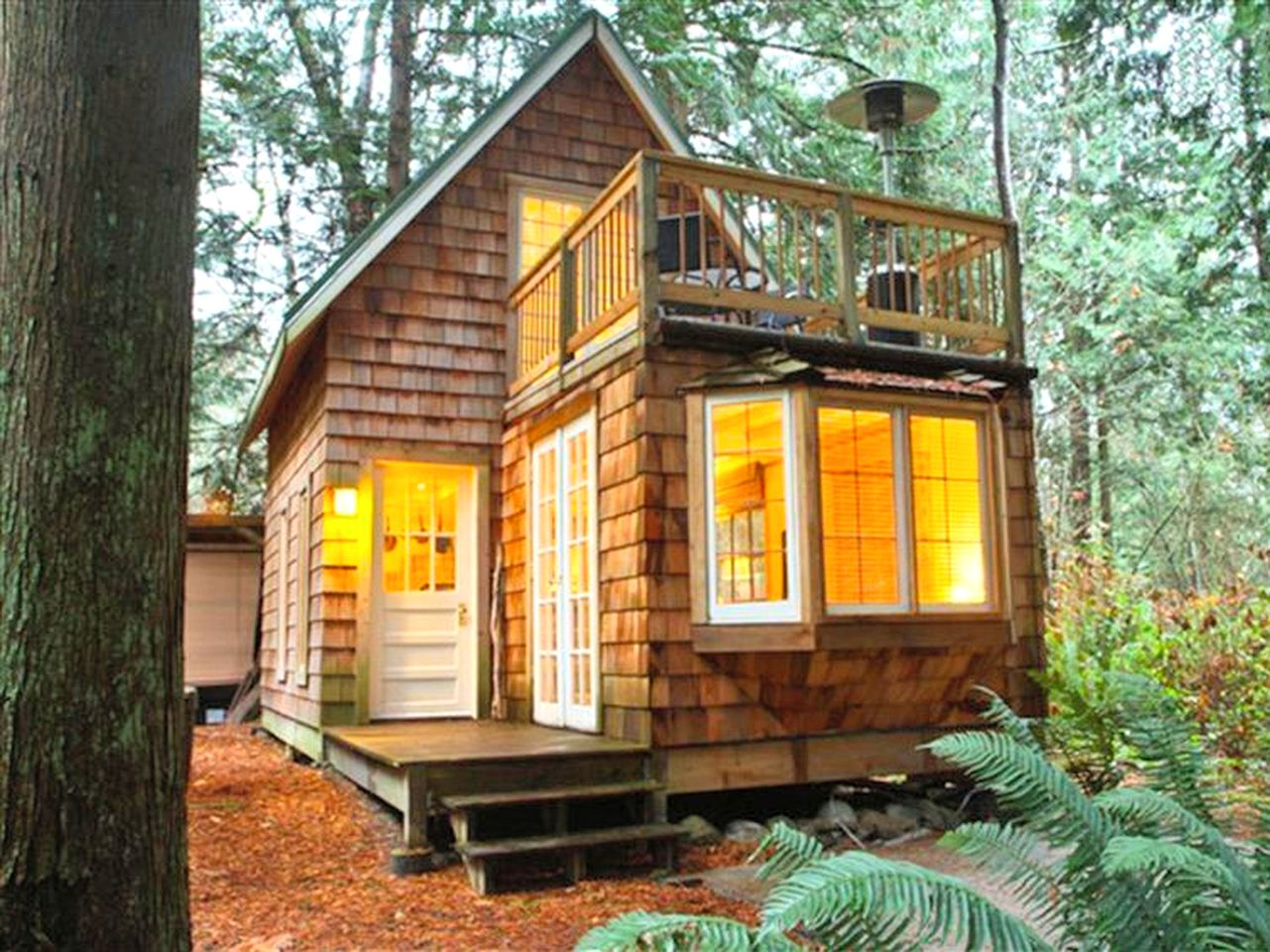 Cabins (Point Roberts, Washington, United States)