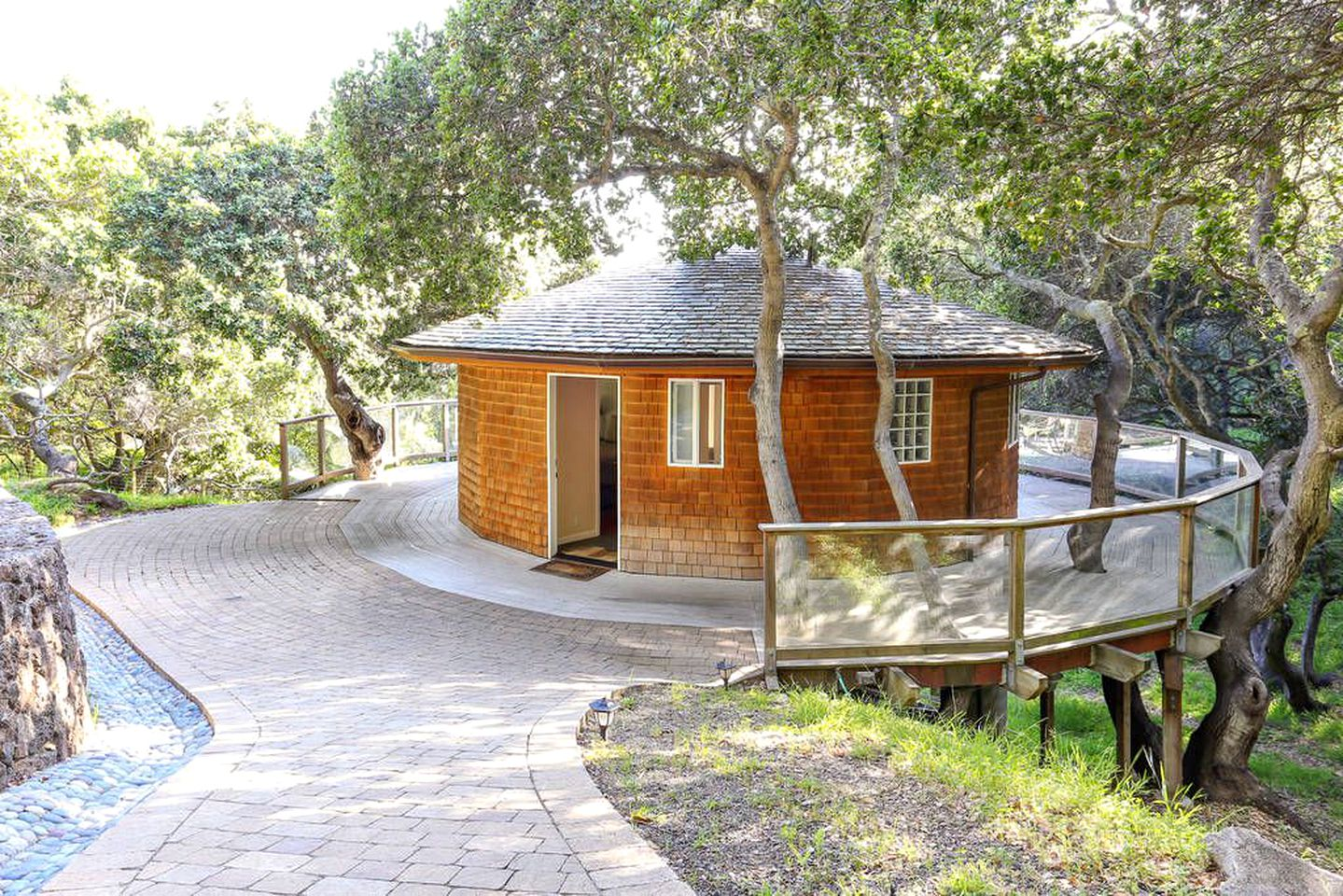 Bay Area cottage for rent.