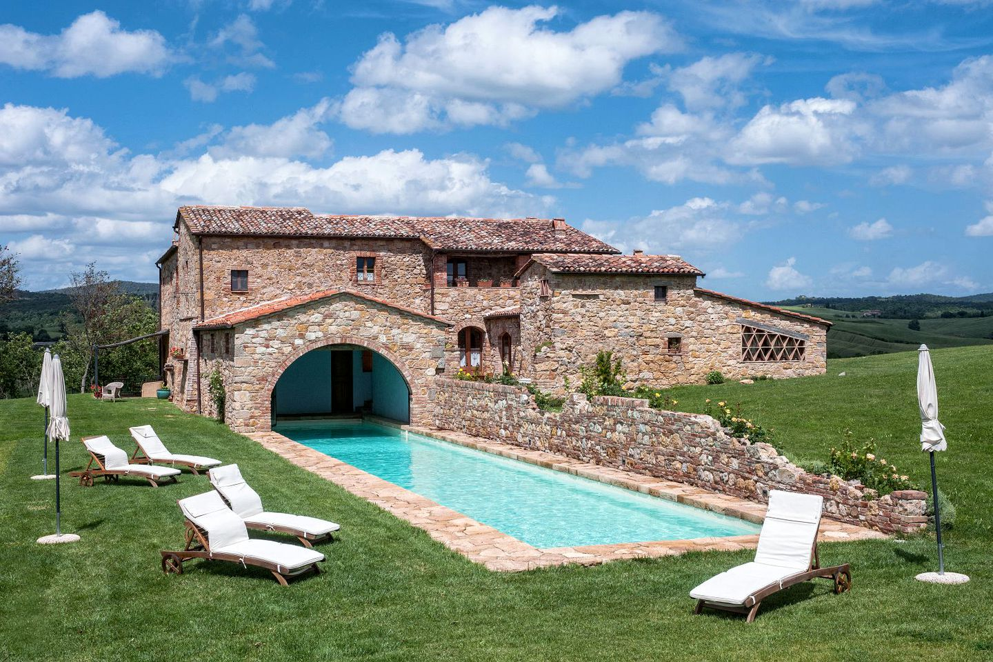 Villas Near Siena Italy idyllic villa rental with a swimming pool in the countryside of pienza,  tuscany
