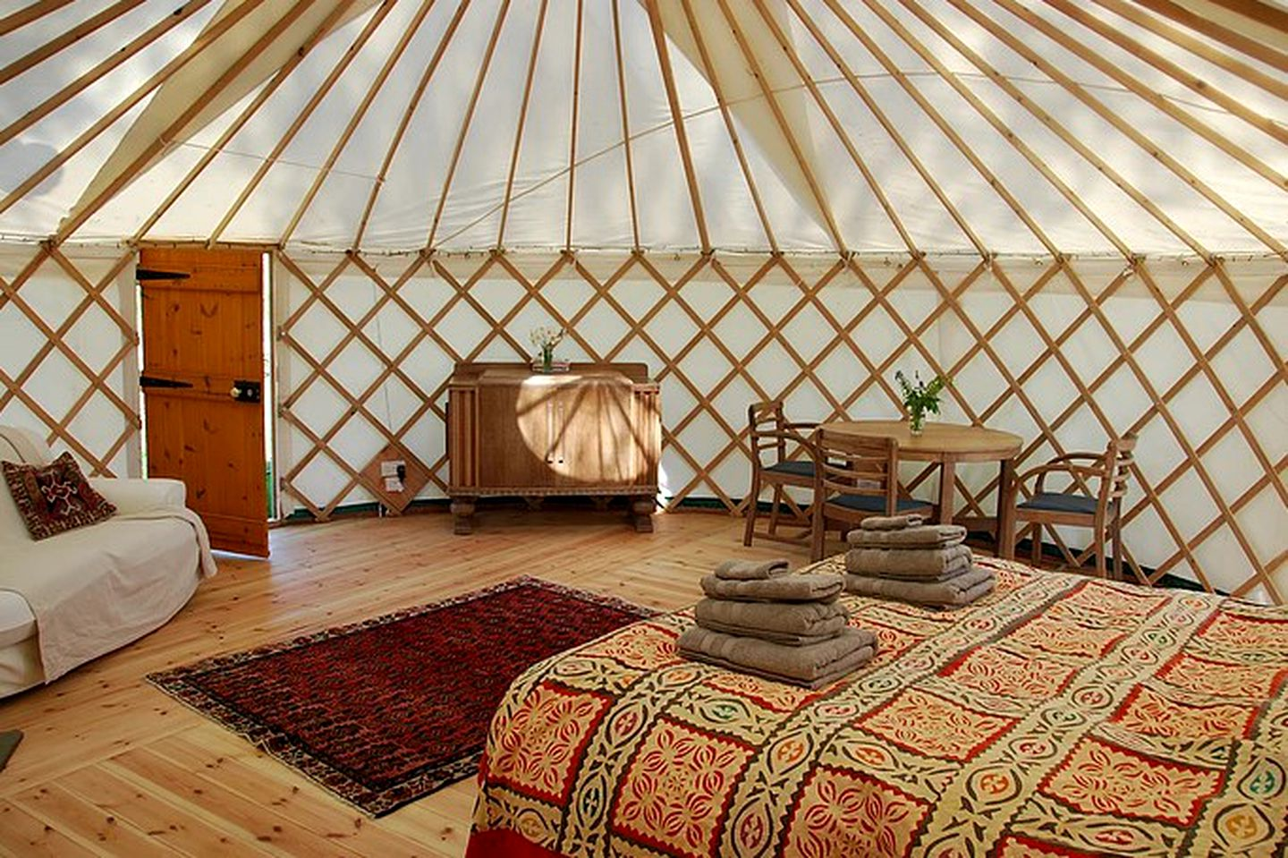 Yurts (Weymouth, England, United Kingdom)