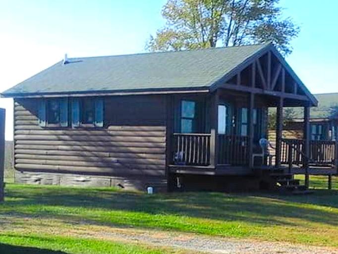 Welcoming Cabin Rental For A Vacation Near Ottumwa Iowa