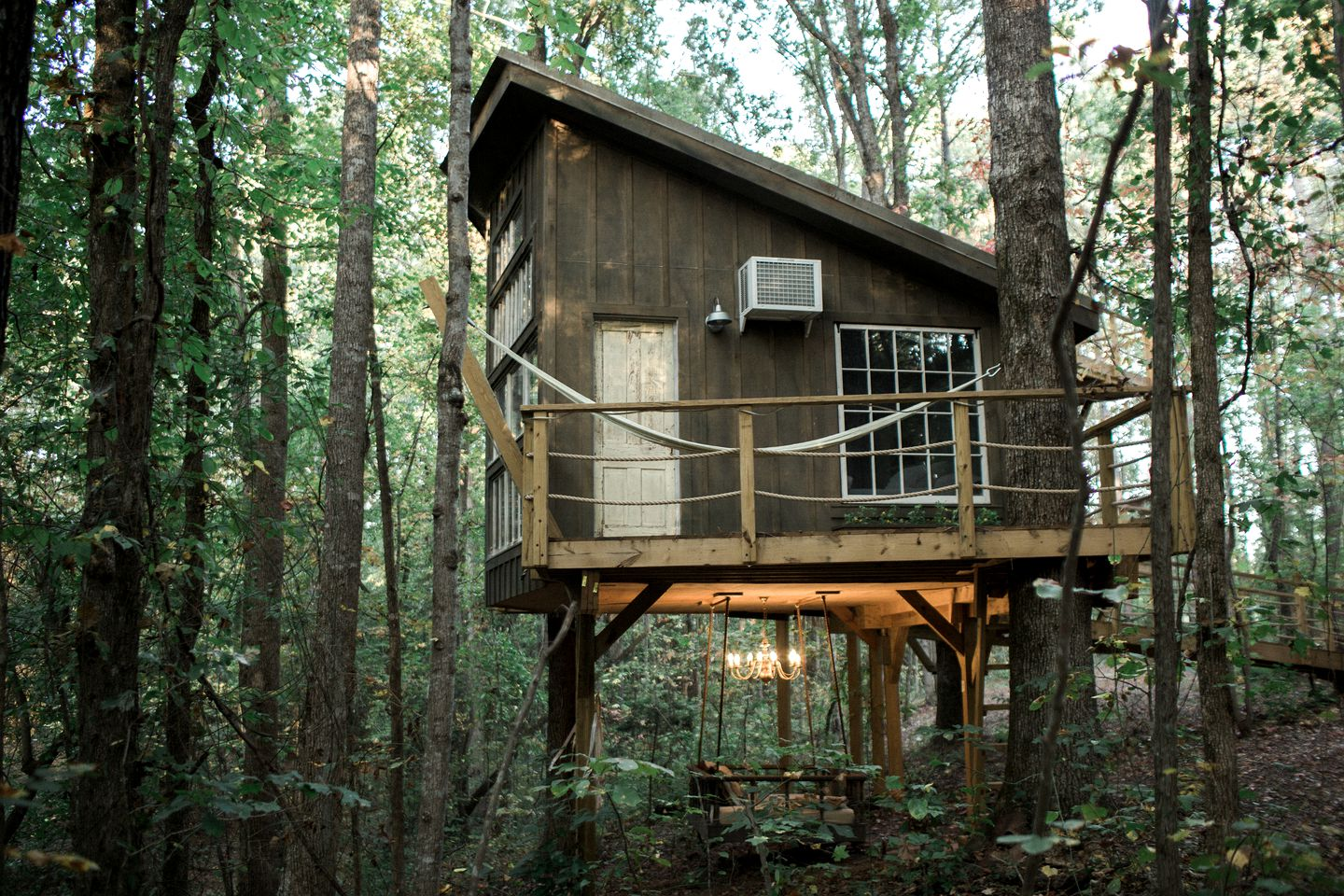 The exterior of the Walhalla tree house, perfect for glamping in South Carolina