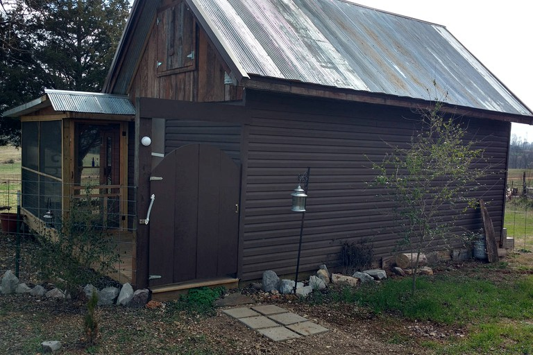 Charming Tiny House Rental on a Tranquil Farm near Cookeville, Tennessee