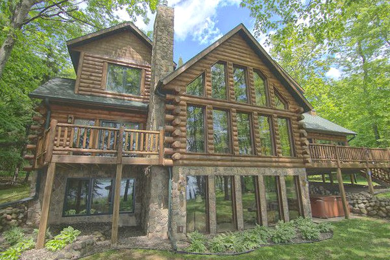Groovy Luxury Log Cabin Rental With Private Dock On Round Lake In Northern Wisconsin Interior Design Ideas Gentotryabchikinfo