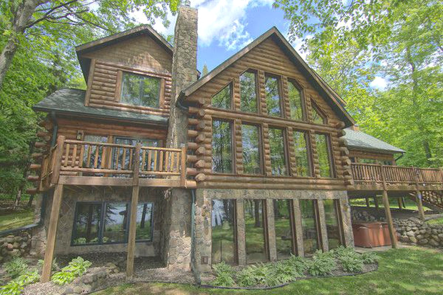 Incredible Luxury Log Cabin Rental With Private Dock On Round Lake In Northern Wisconsin Interior Design Ideas Gentotryabchikinfo