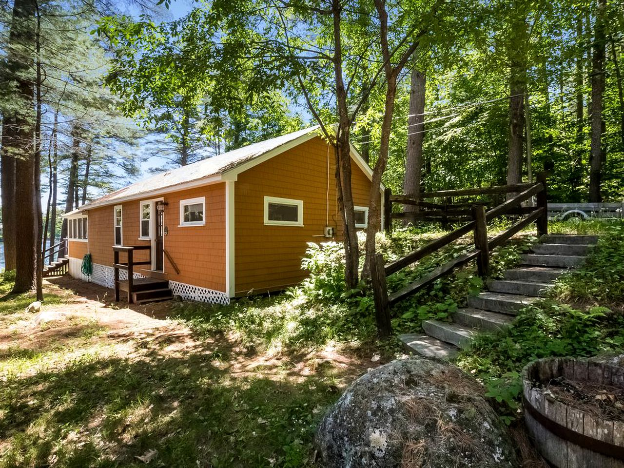 Cabins (Wolfeboro, New Hampshire, United States)