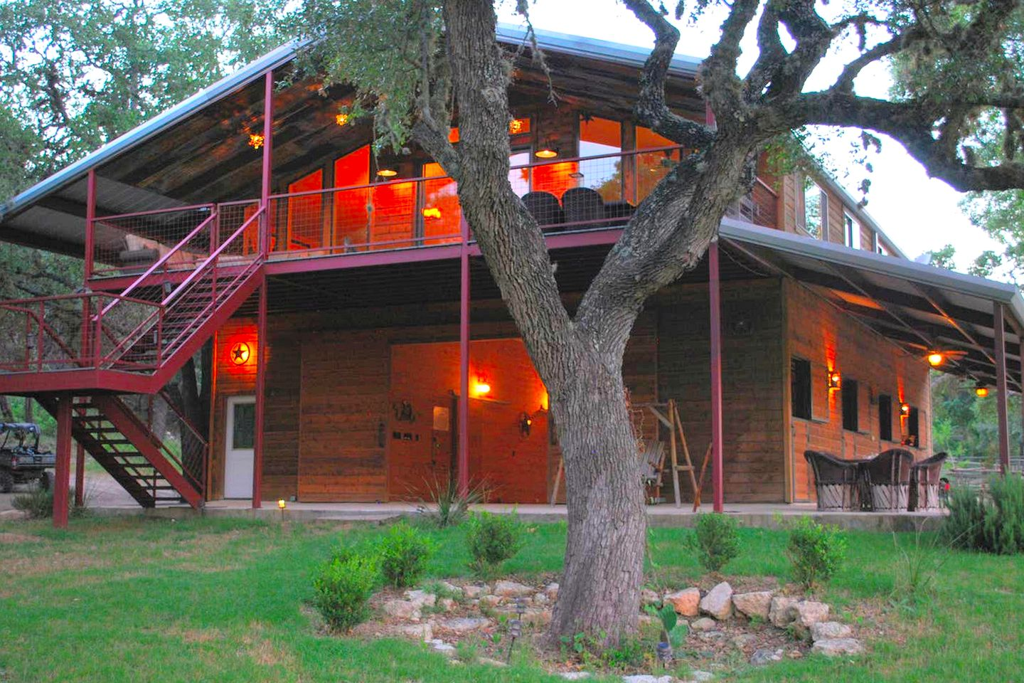Nice and spacious Texas Hill Country cabin for a family of eight to spend their Texas vacations