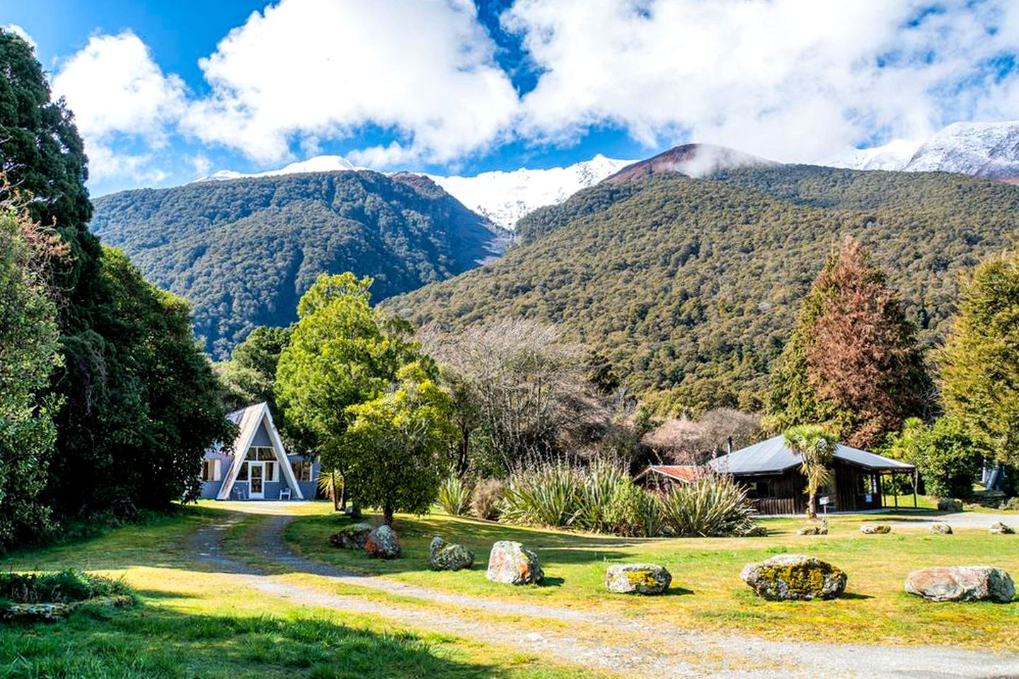 This Makarora accommodation is great for South Island holidays