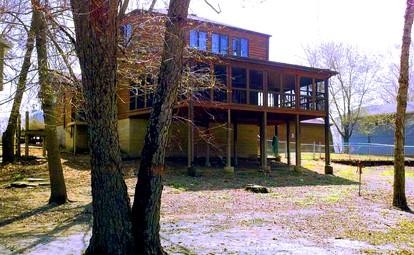 Cool Cabin Rentals Near Lake Shelbyville Il Glamping Hub Download Free Architecture Designs Griteanizatbritishbridgeorg