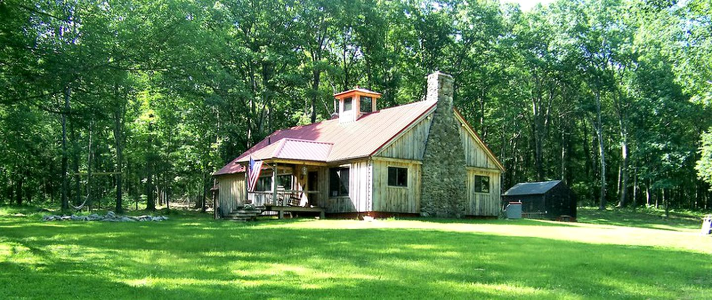 Family cabin rental near Sturbridge, Massachusetts.