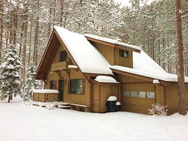 Betsie River Cabin Rental near Crystal Mountain Resort, Michigan