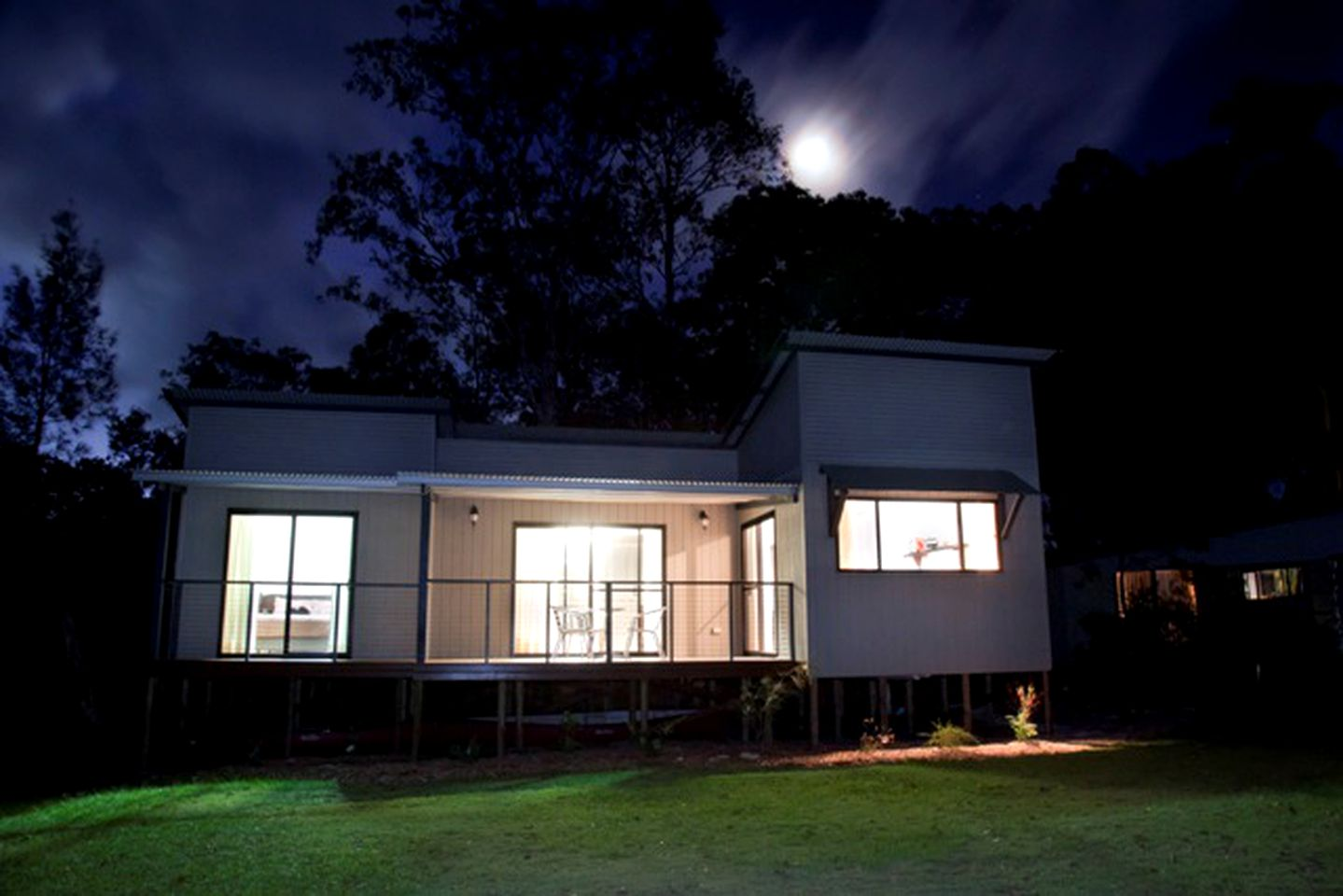 Cabins (Coffs Harbour, New South Wales, Australia)