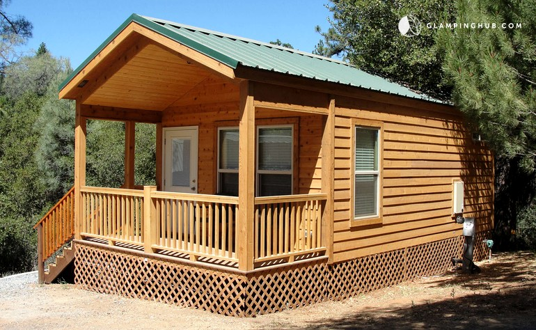 Log cabin rentals near yosemite national park for Groveland ca cabin rentals