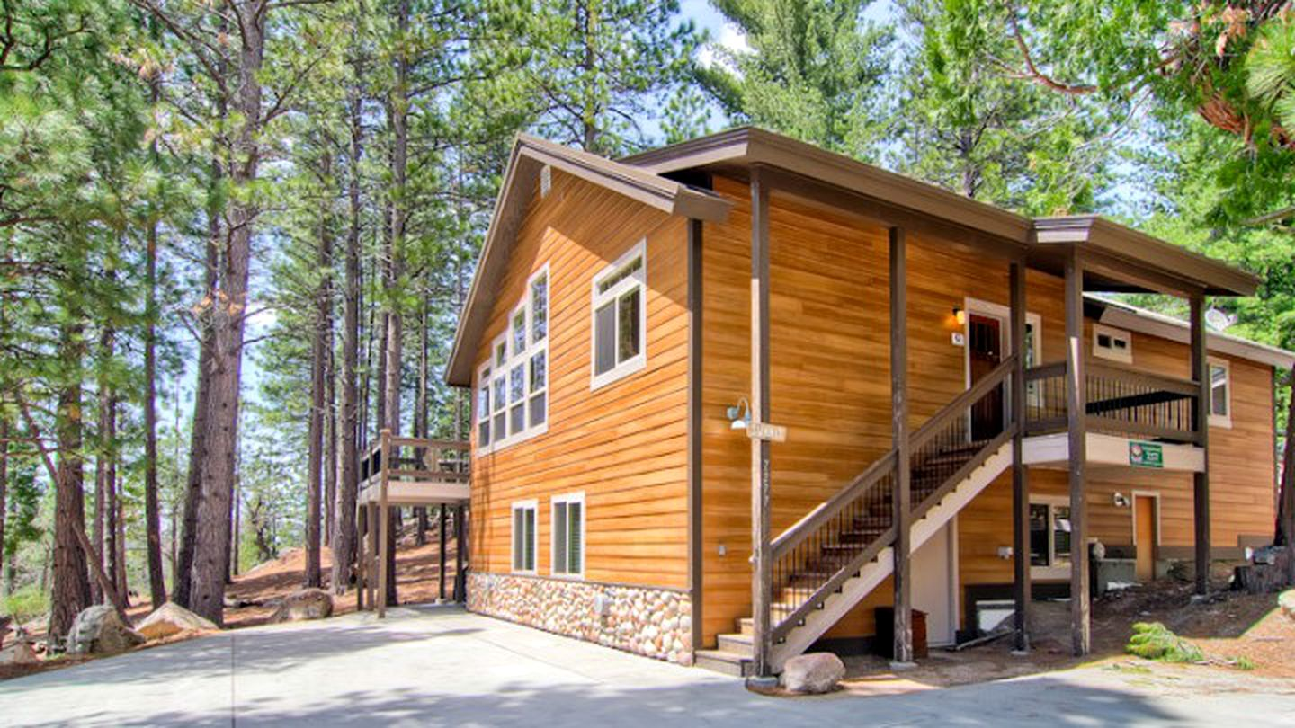 Cabins (Yosemite Park, California, United States)