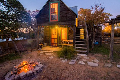 All-Inclusive Cabin Rentals with Fireplaces in Texas