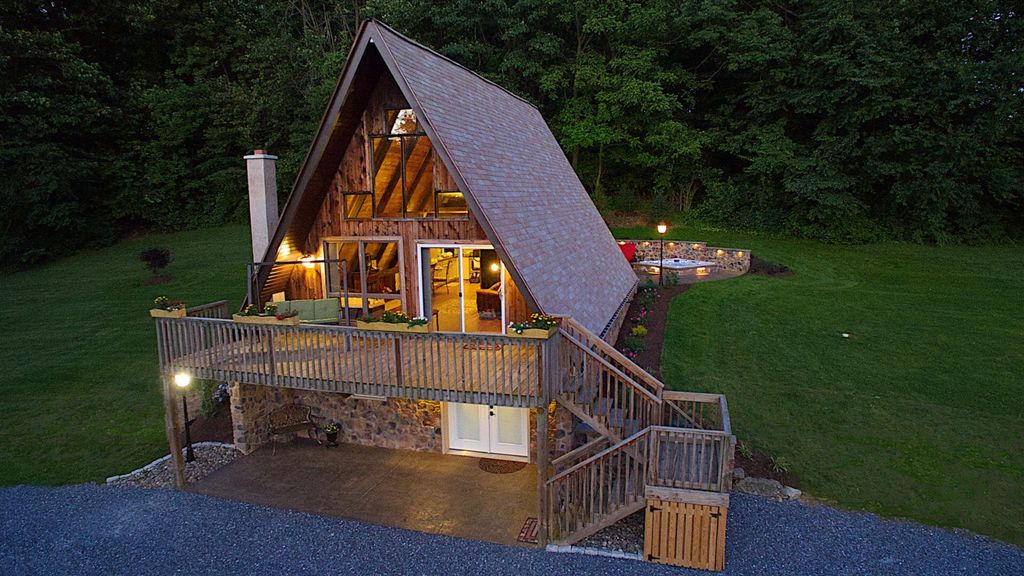 Couples Getaway Near Robesonia Pennsylvania