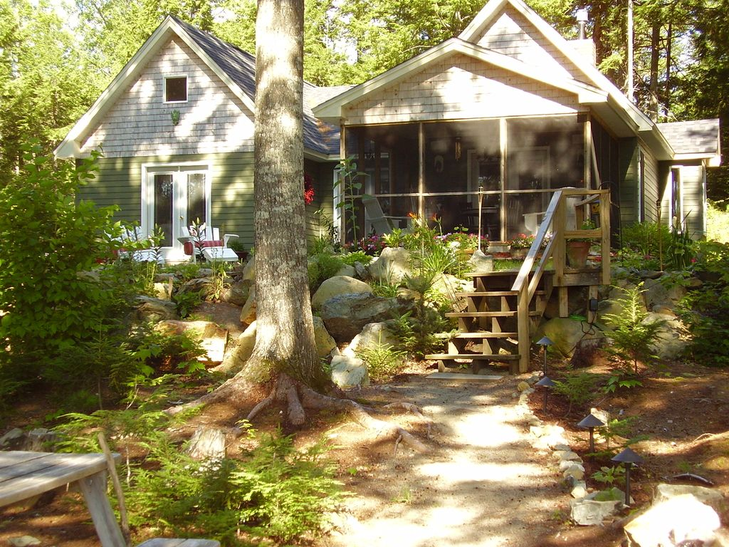 Vacation cottage near acadia national park maine for Vacation cottage