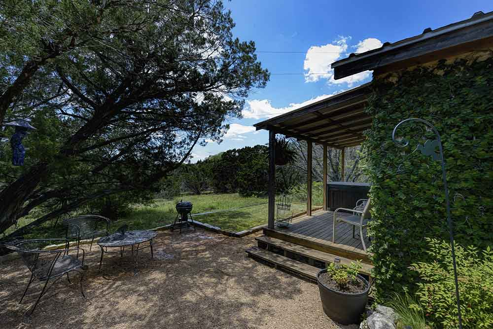 romantic cabin with hot tub wimberley texas