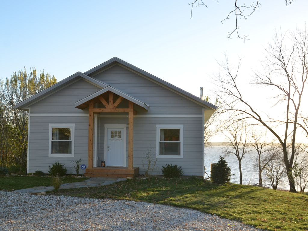 to rent cabins vacation lodging michigan lake iowa resort family one cabin in clear