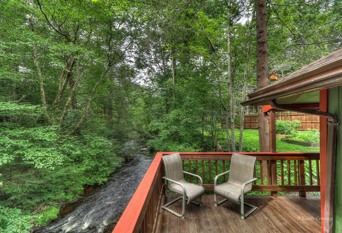 magnolia and bandbmartinville poconos cabins in moss cottages htm streamside the cabin