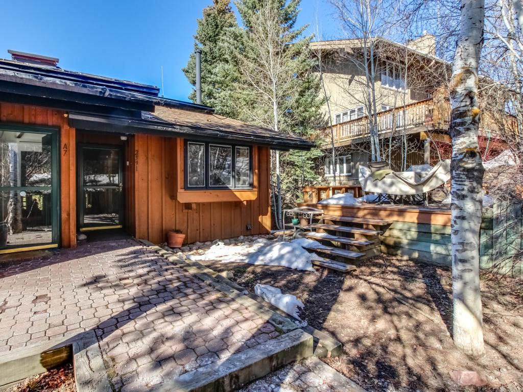 Cabin With Hot Tub In Steamboat Springs Colorado
