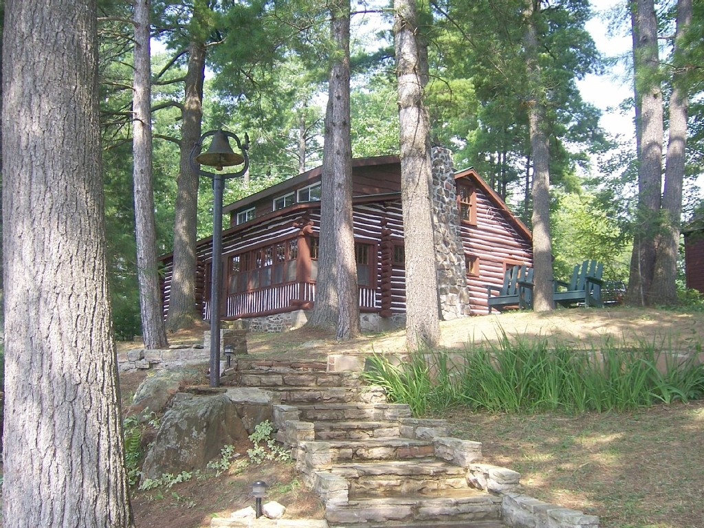 Luxury cabin upstate new york for Lake house upstate ny