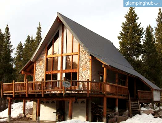 Luxury wood cabin rental yellowstone for Cabin yellowstone park