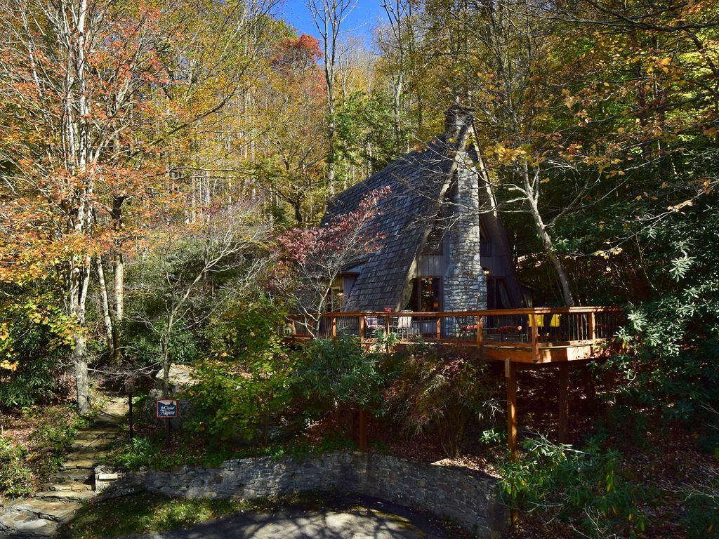 facebook to creekside creeksideexterior cabins perfect grandfather mountain your escape getaway
